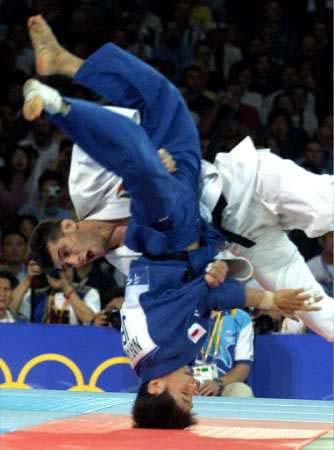 Ainsi en Judo, la plupart des mouvements peuvent être effectués avec force  pour amener une victoire décisive sans blessures.